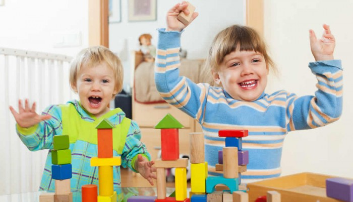 Kindererziehung stellt Eltern vor viele Herausforderungen.