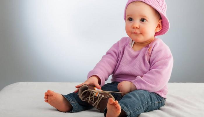 Beim Kauf der ersten Schuhe für das Baby gibt es vieles zu beachten.
