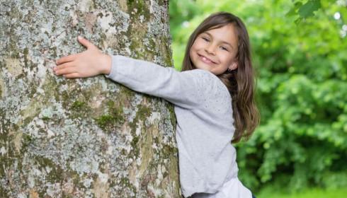 Viele Kinder lieben die Natur.