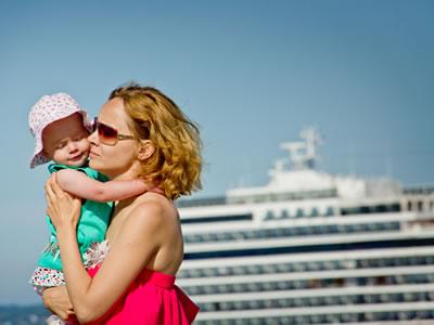 Trotz All Inclusive sollten Eltern Kreuzfahrten sorgfältig vorbereiten.
